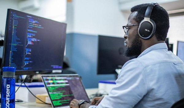 Andela lays off 400 junior developers